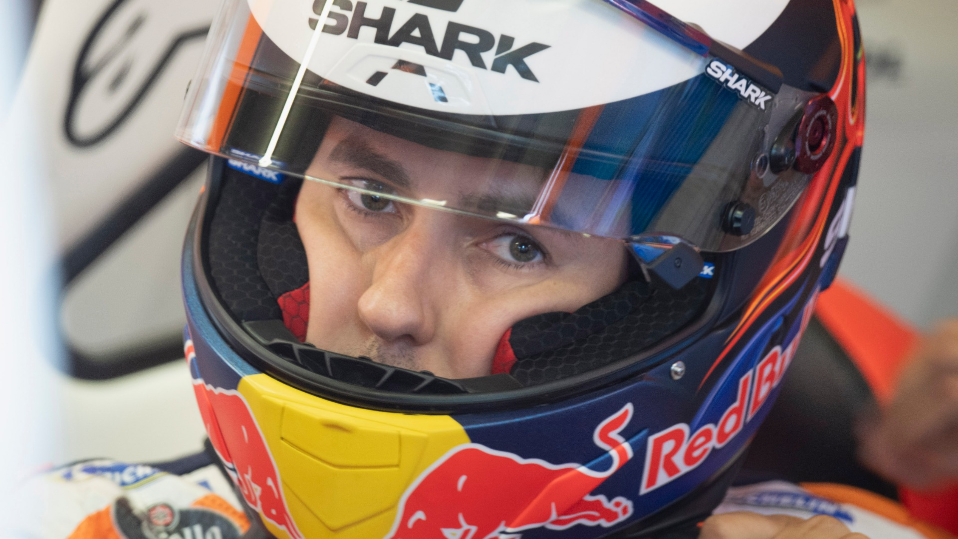 'Out of control' Lorenzo told to calm down after crash