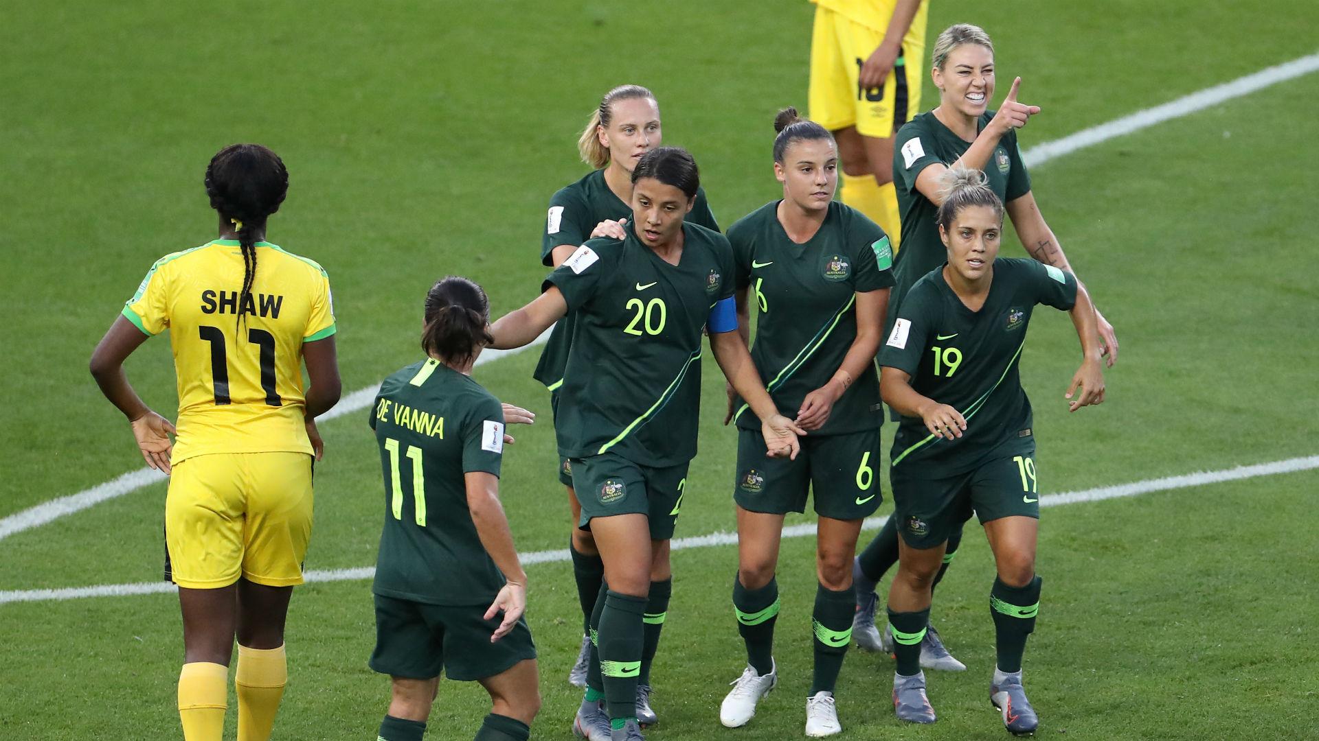 Women's World Cup 2019: Sam Kerr scores four to book Australia's last-16 place