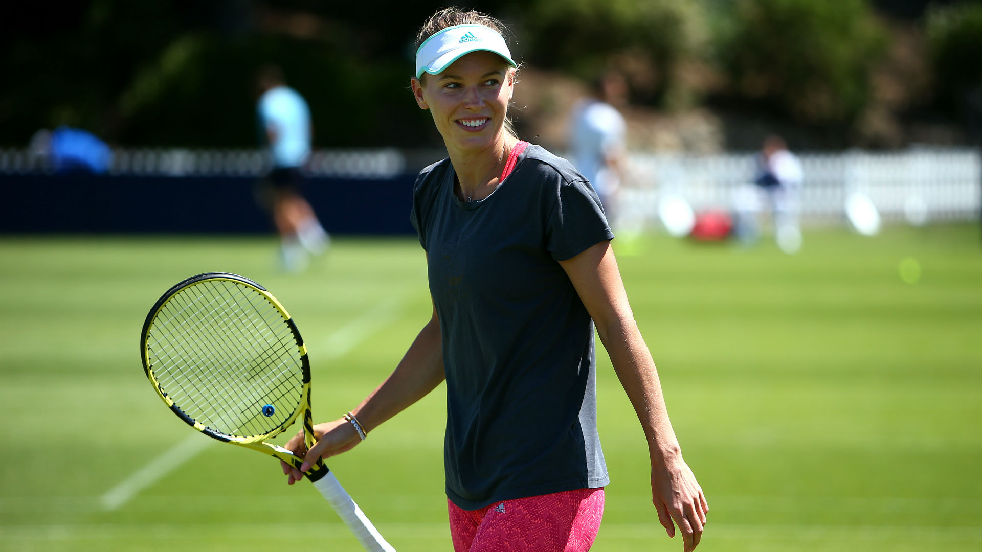 Wozniacki right at home in Eastbourne, Pliskova also makes progress