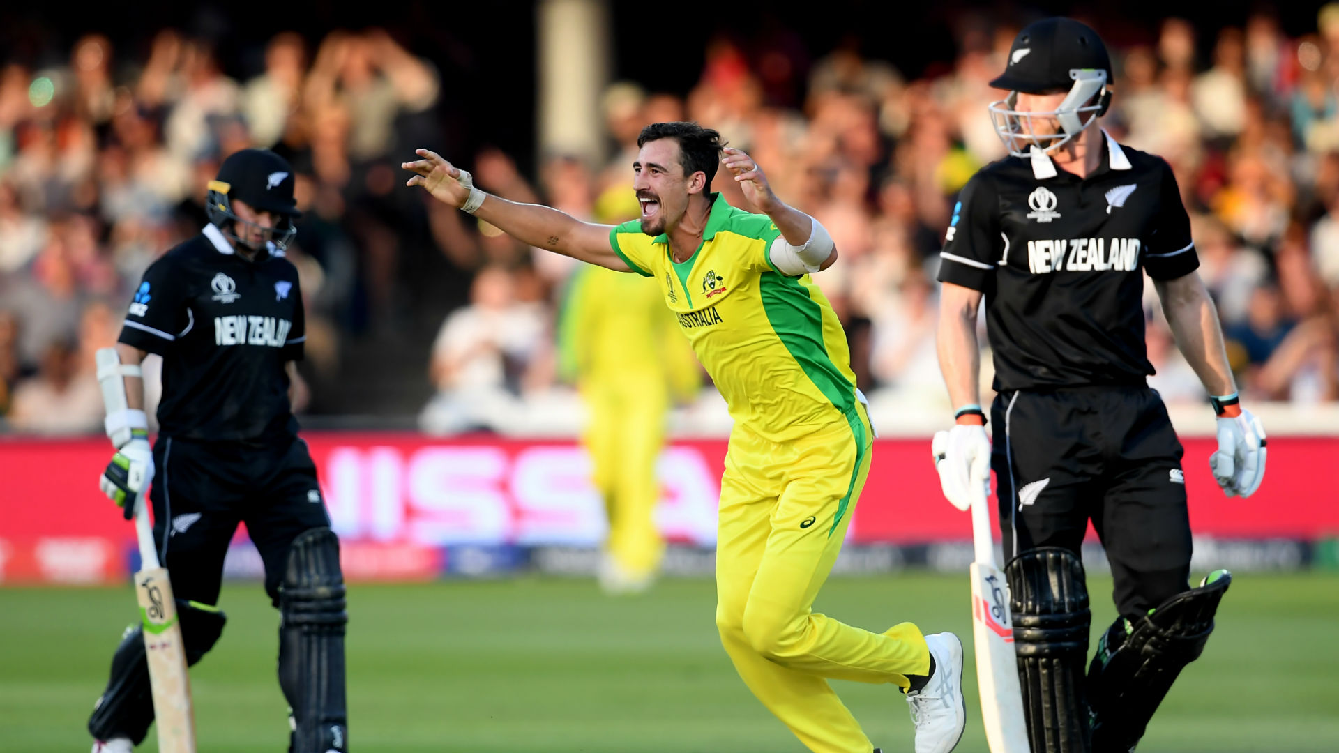 Starc strikes as Black Caps fold after hat-trick from lightning Boult