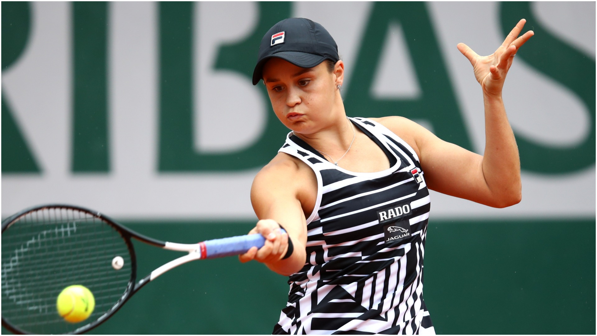 Barty beats Keys to reach French Open semifinals