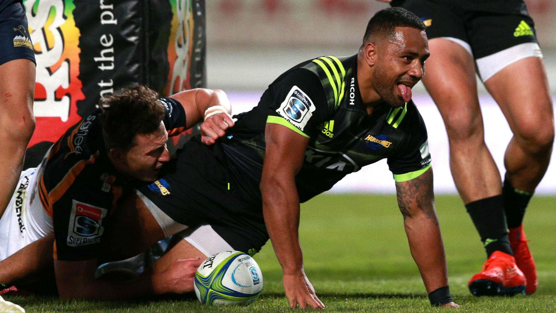 Hometown hero Laumape inspires Hurricanes win, Rebels down Highlanders
