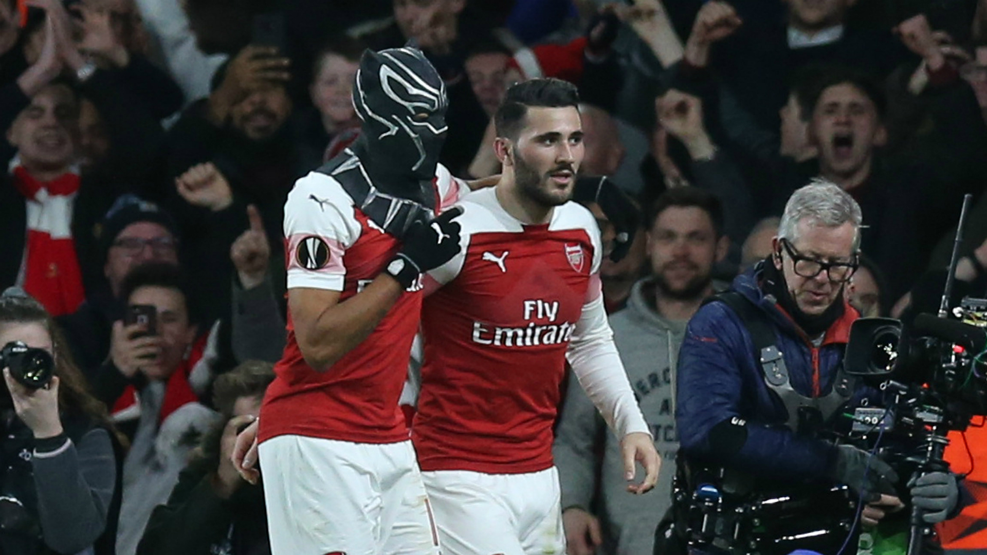 Arsenal 3 Rennes 0 (4-3 agg): Aubameyang brace sends Gunners through