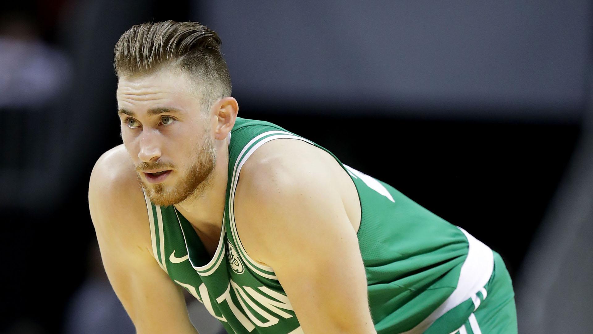 Gordon Hayward injury update: Celtics forward leaves game vs. Hawks with neck strain