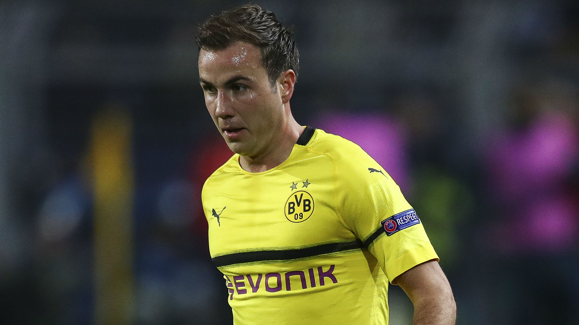 Gotze sidelined with broken rib