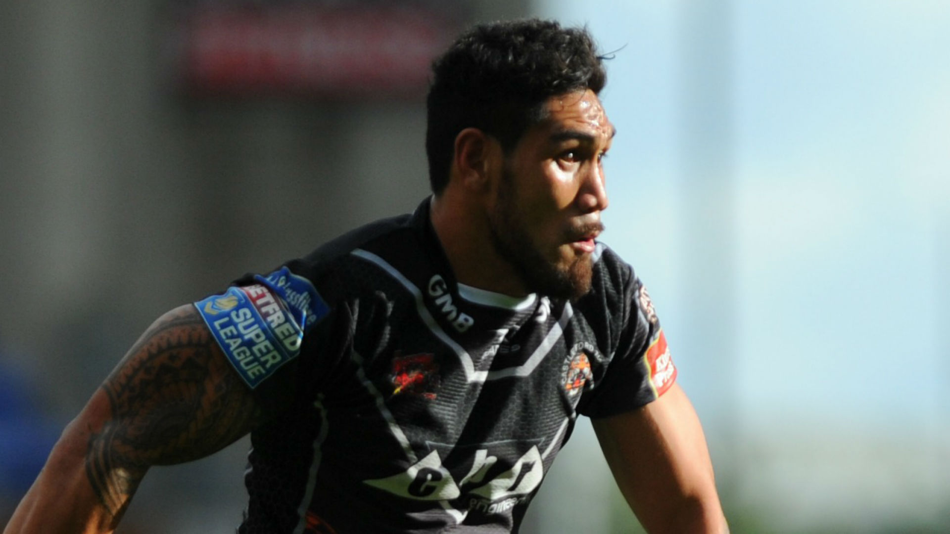 Tigers hold off Salford fightback