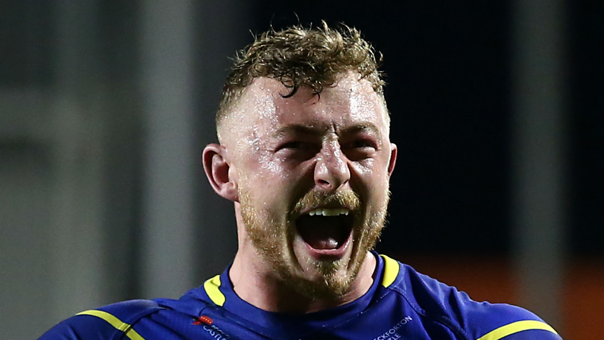 Warrington cling on to beat Wakefield in thriller