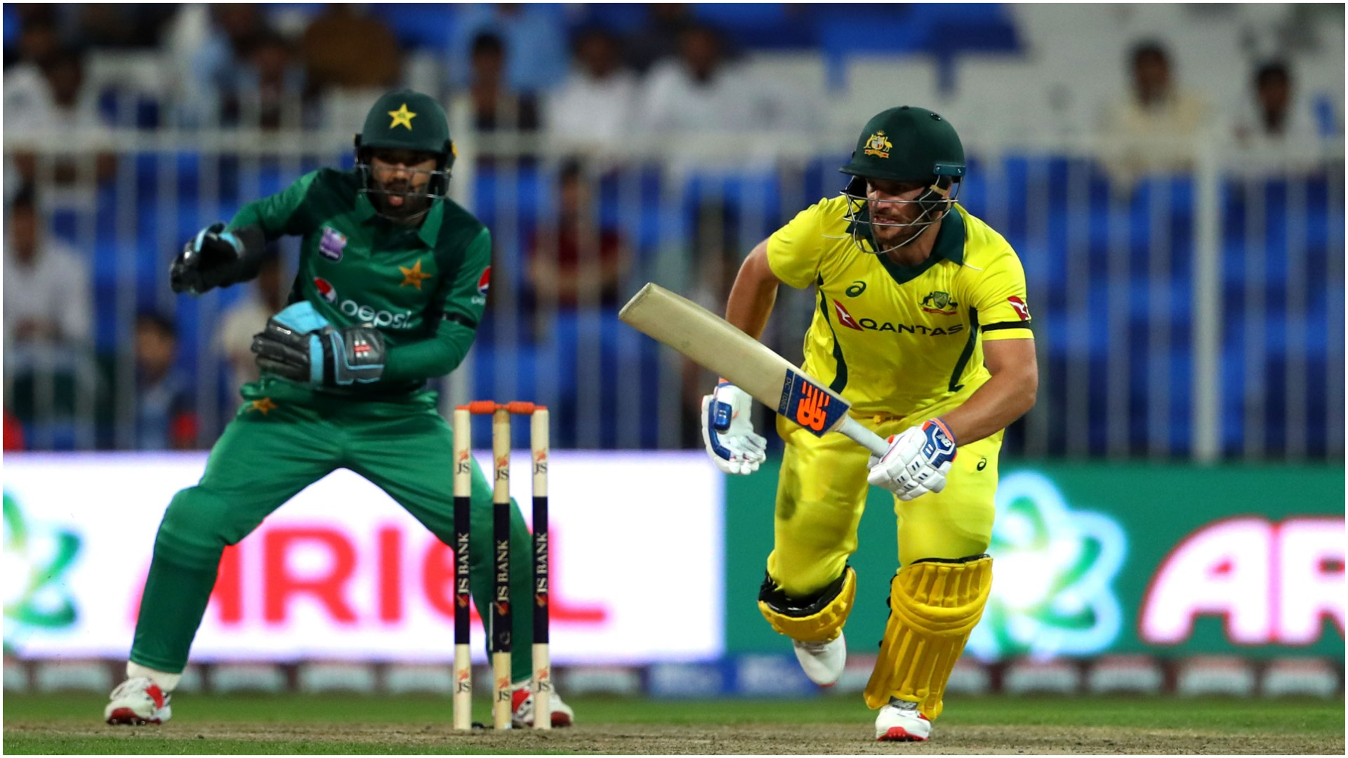 Finch and Marsh lift Australia past Pakistan