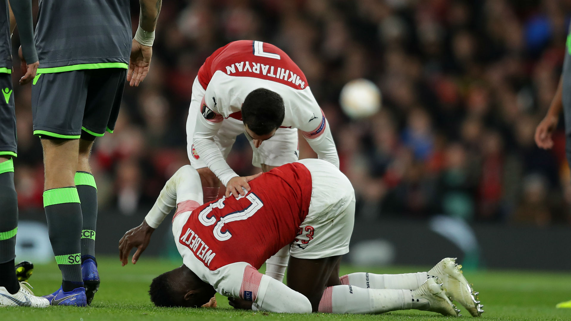Welbeck back in Arsenal training after broken ankle