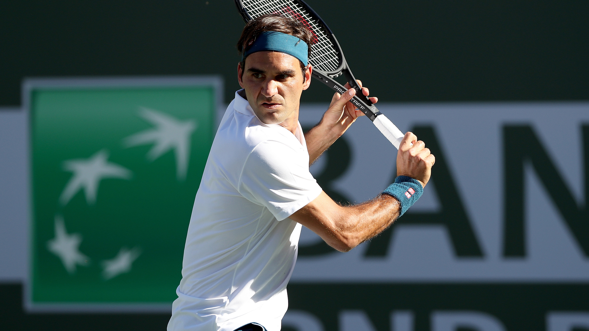 Federer survives Albot test