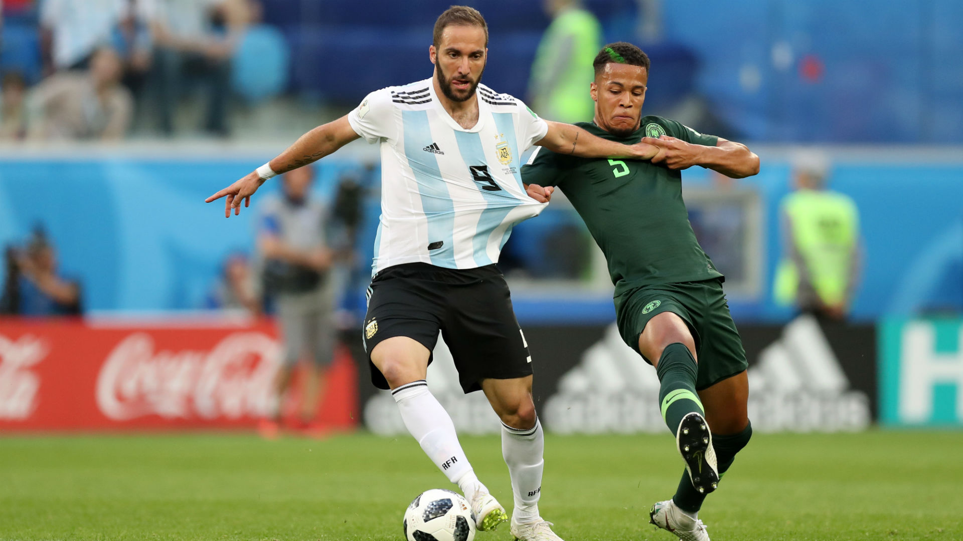Higuain announces retirement from 'toxic' international duty with Argentina