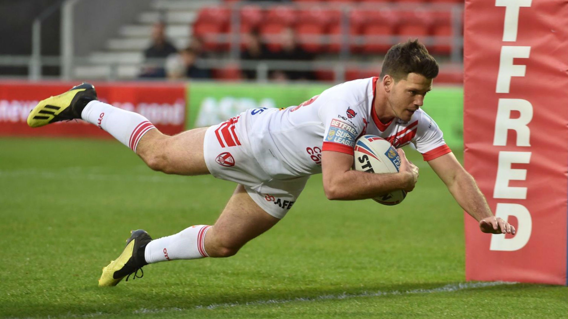 Saints sink Red Devils with controversial late try