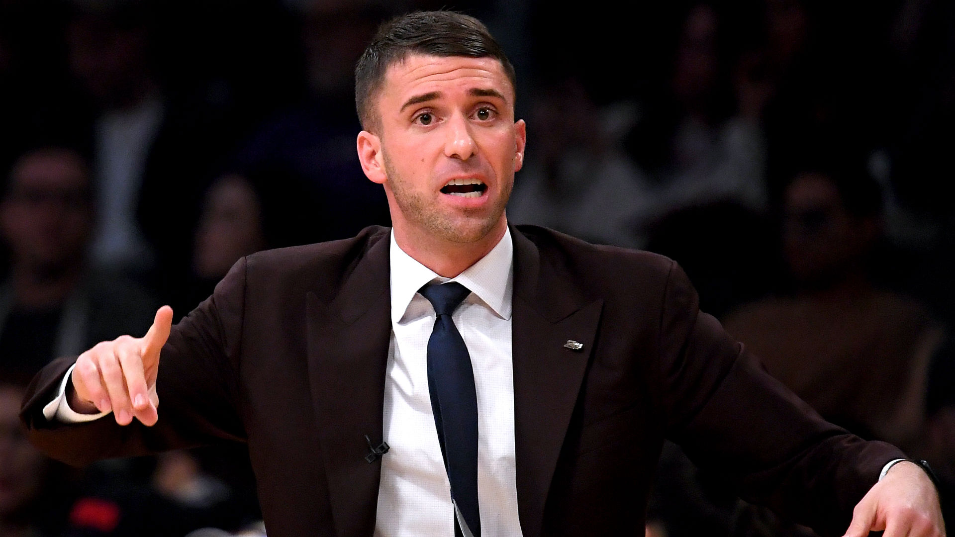Timberwolves promote Ryan Saunders to head coach, report says