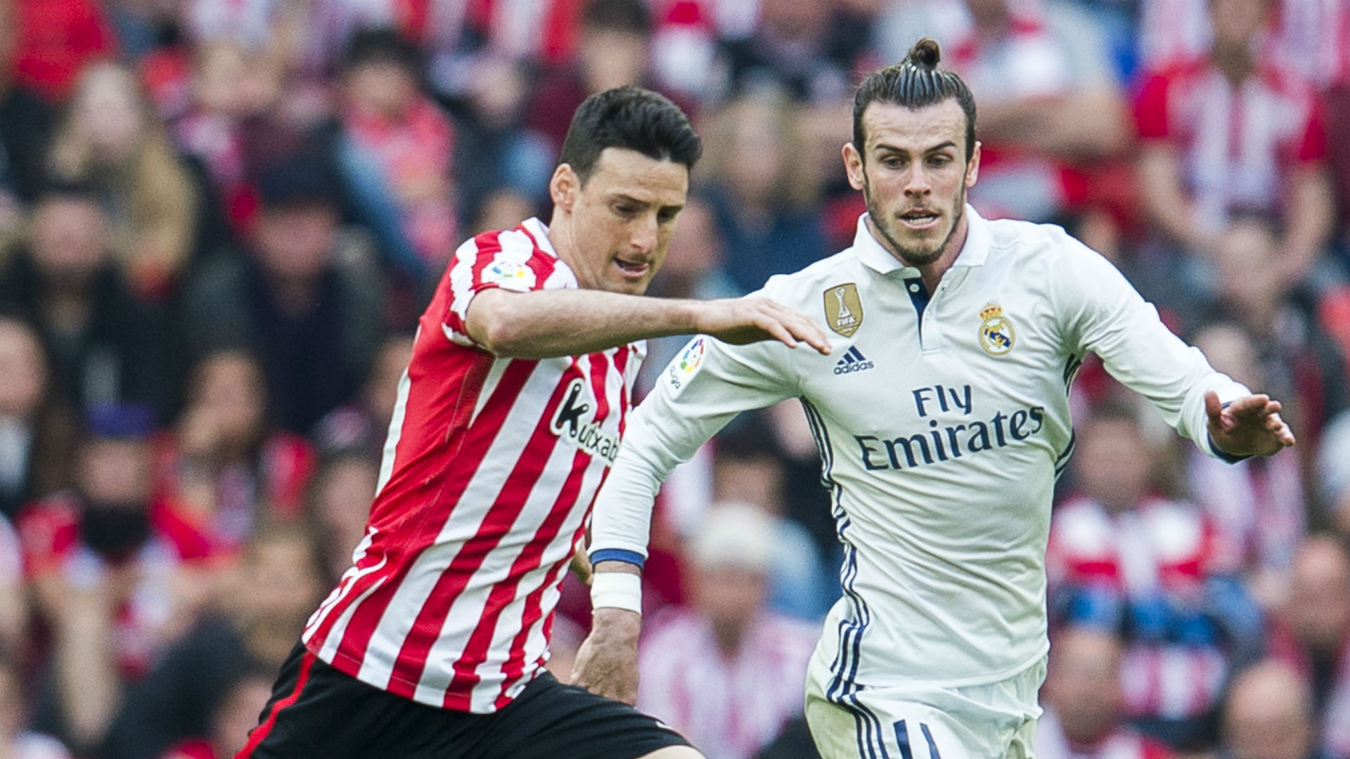 Aduriz agrees one-year Athletic extension