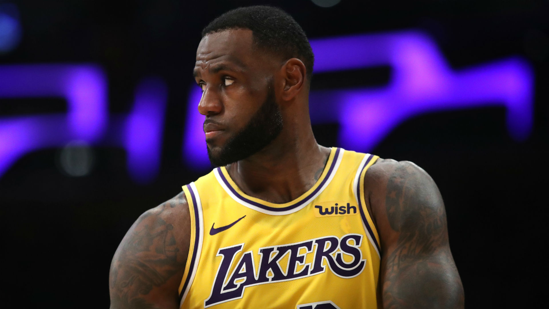 7faa7d30ad8 Lakers free agency rumors: LeBron James has been in 'contact' with Kawhi  Leonard