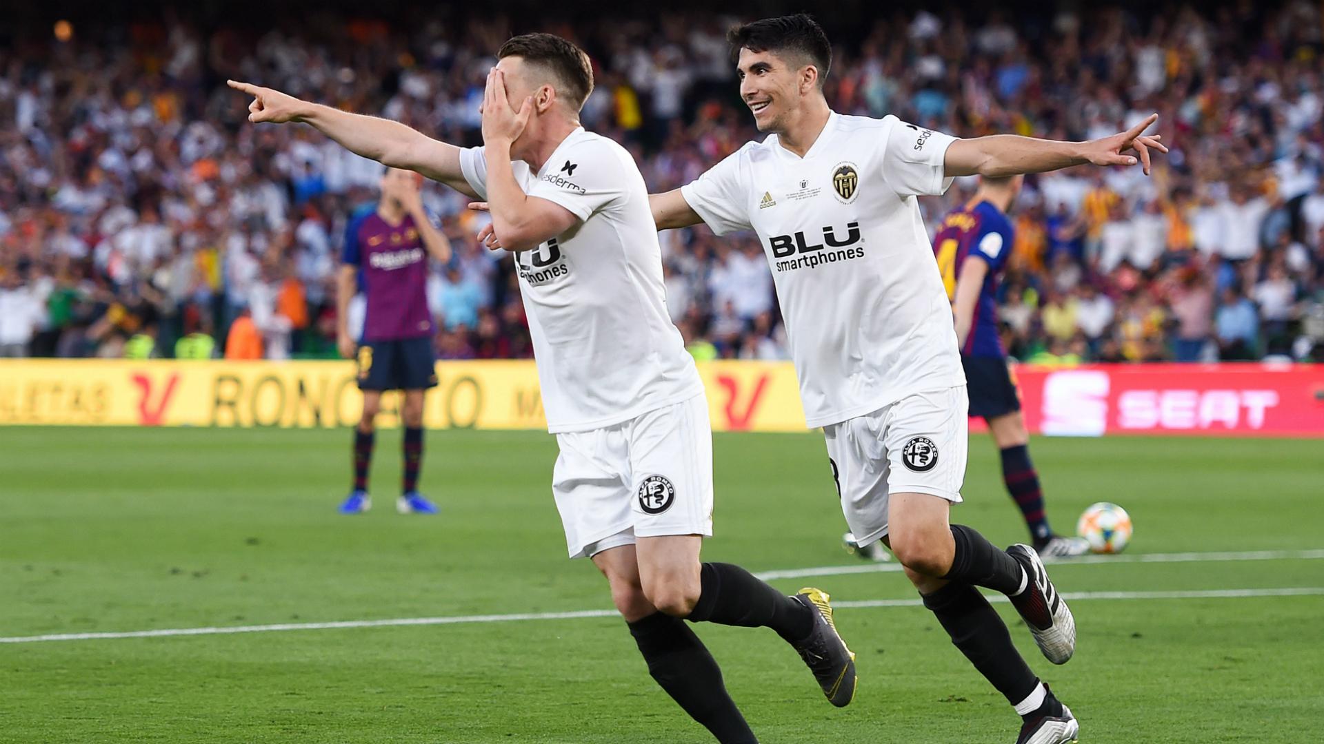 Barcelona 1 Valencia 2: Valverde pressure increases as Catalans denied historic Copa win