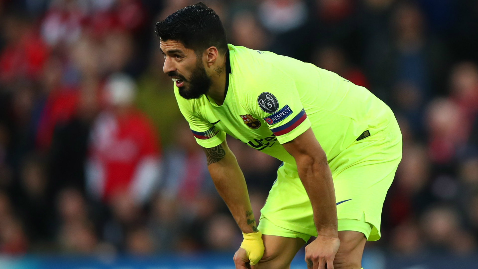 Suarez hits out at questions over Barcelona commitment