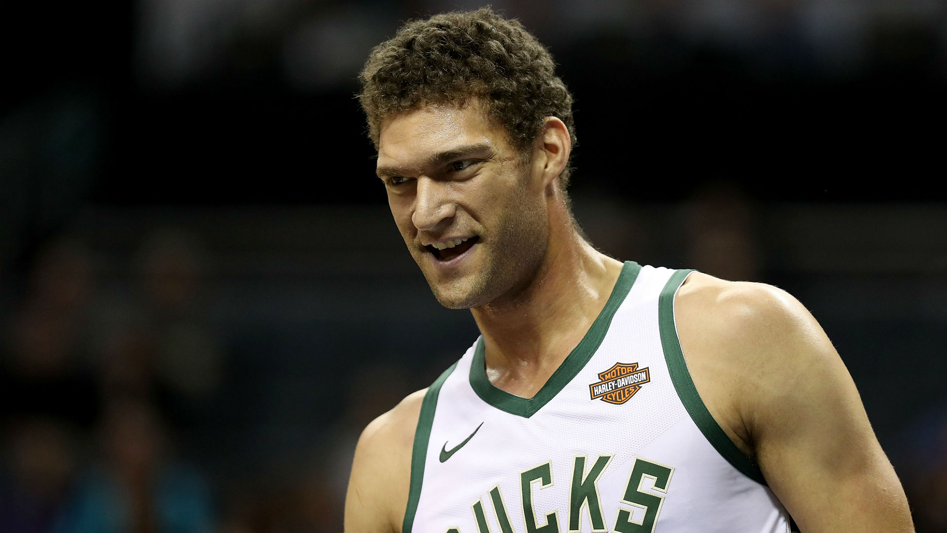 NBA free agency rumors: Re-signing Brook Lopez 'is a priority' for Bucks