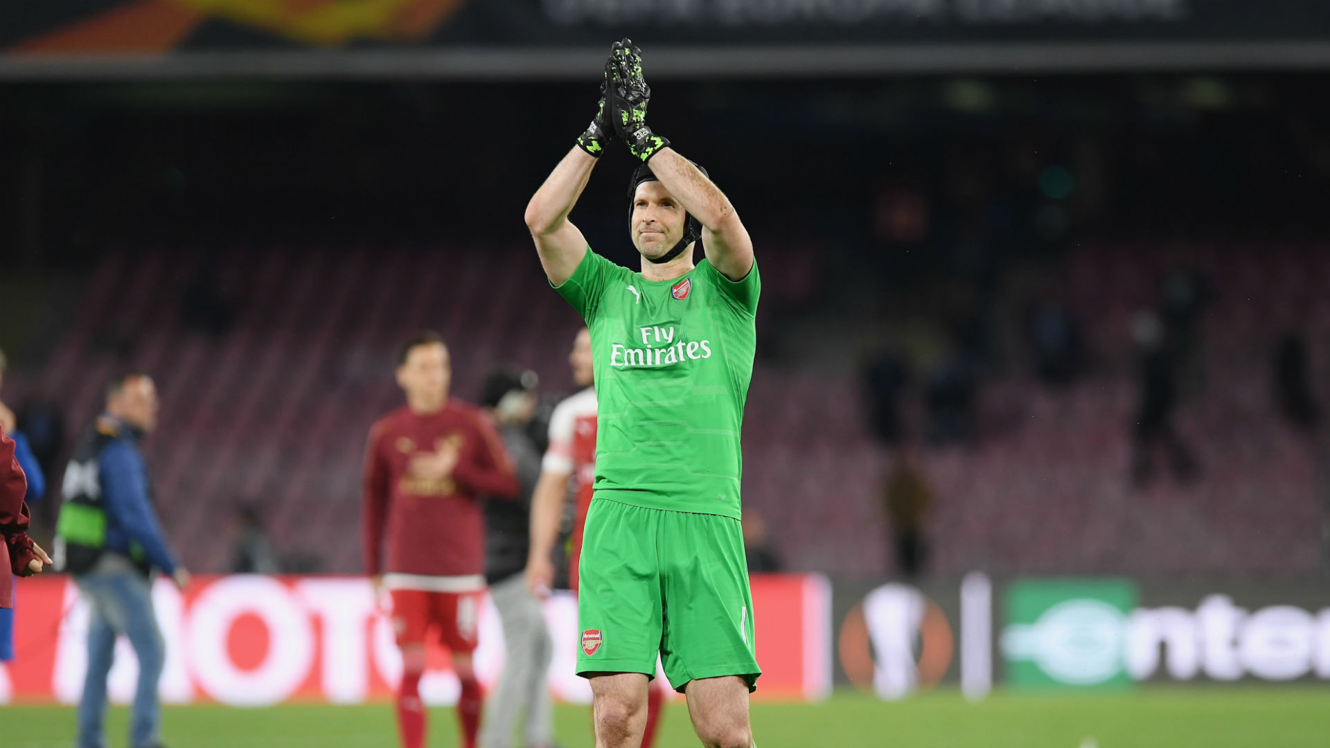 Cech or Leno? Emery yet to decide on starting goalkeeper