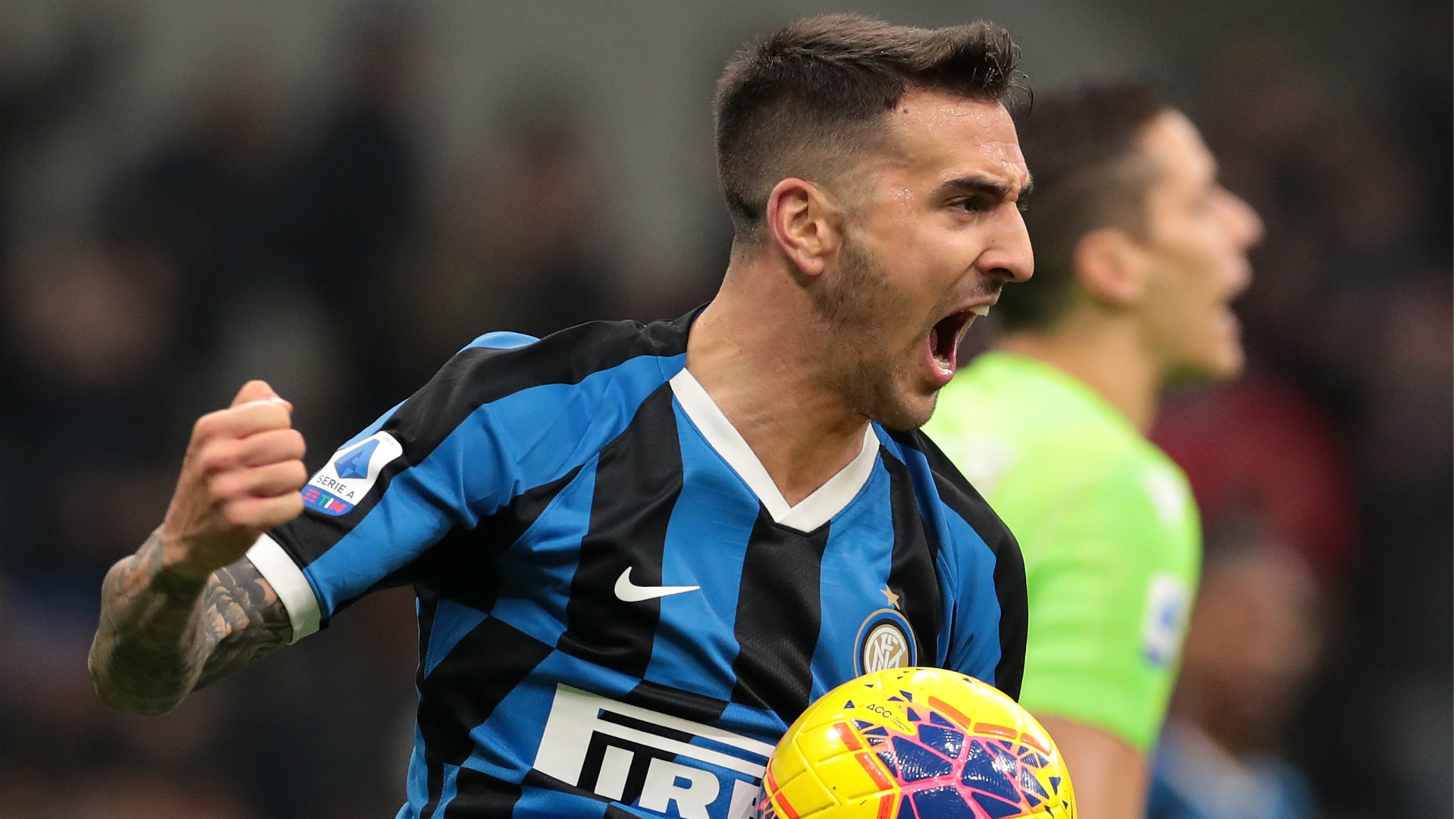 Inter 2-1 Hellas Verona: Barella hits stunning winner to send hosts top