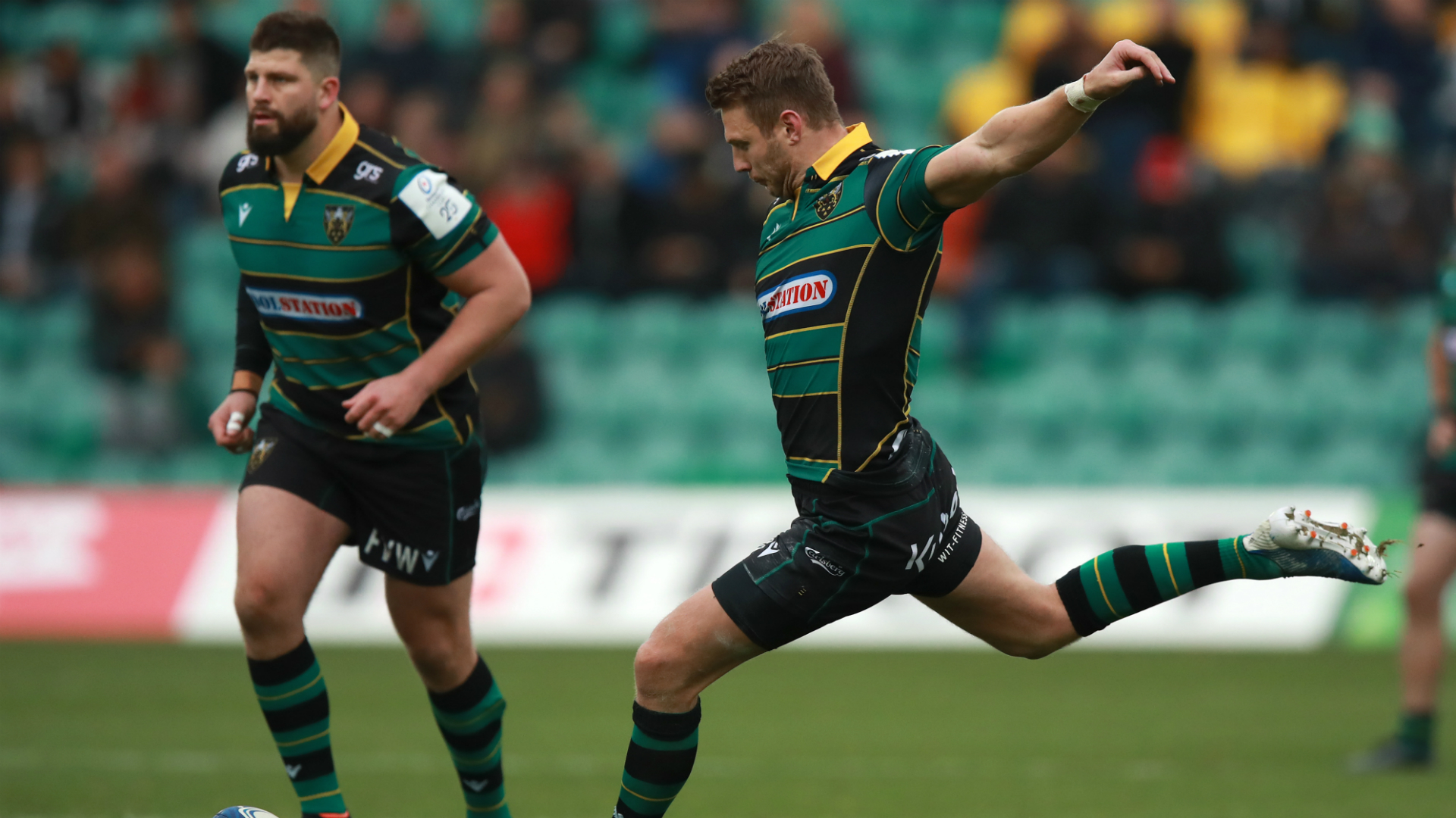 Racing too good for sorry Sarries, Biggar has Saints marching