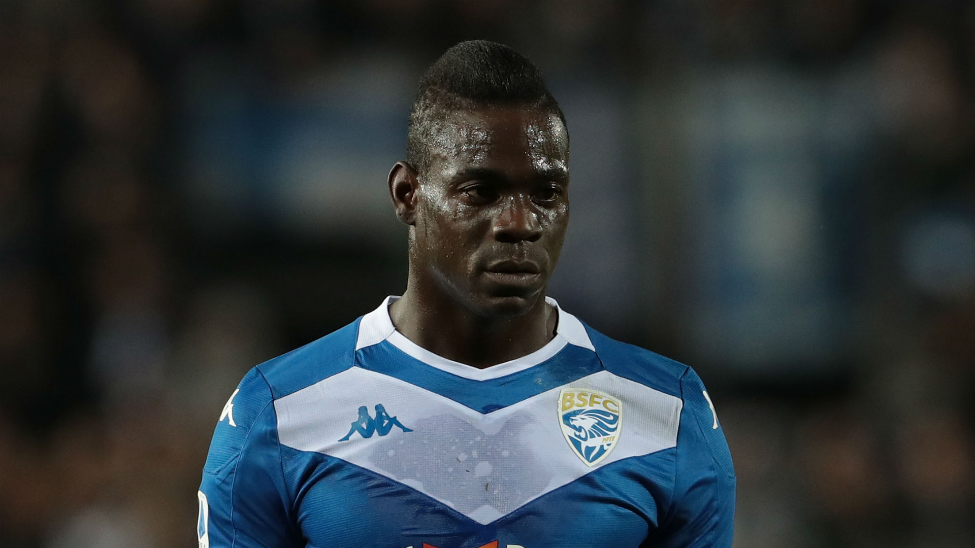 Balotelli urged to 'help himself' after training-ground row sees striker dropped