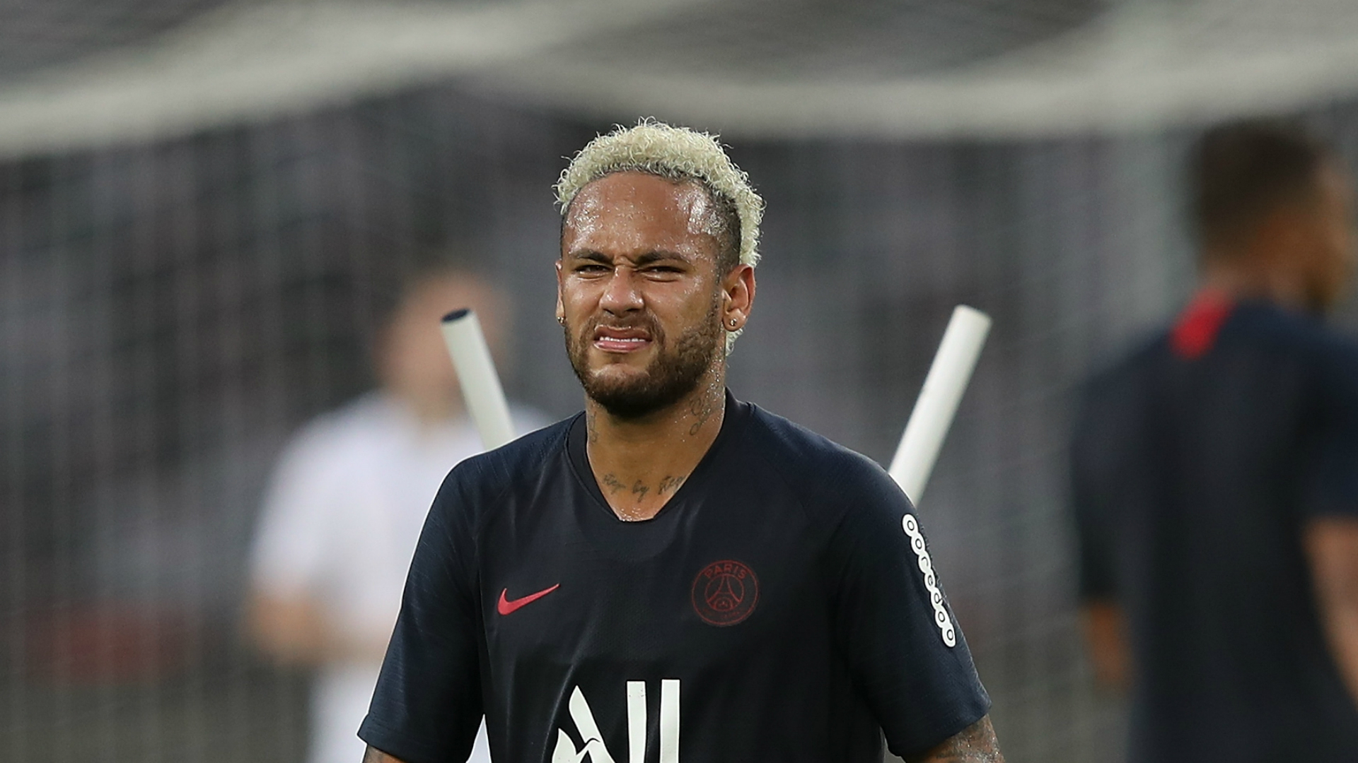 Neymar back for PSG after a month out
