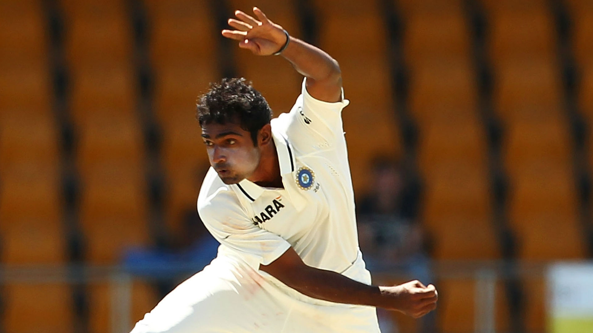 Former India seamer Mithun takes five wickets in one over