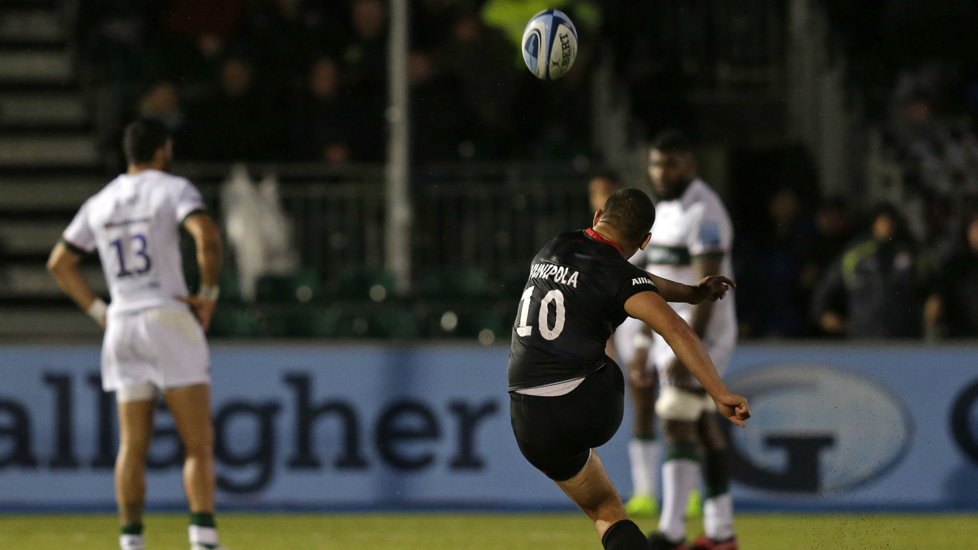 Vunipola holds nerve as last-gasp Sarries down Irish