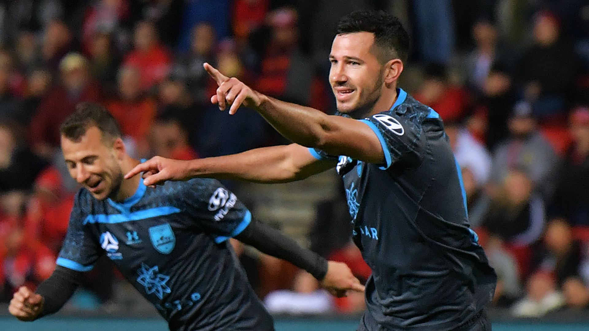 Adelaide United 2-3 Sydney FC: McGowan header sinks 10-man Reds after Le Fondre double