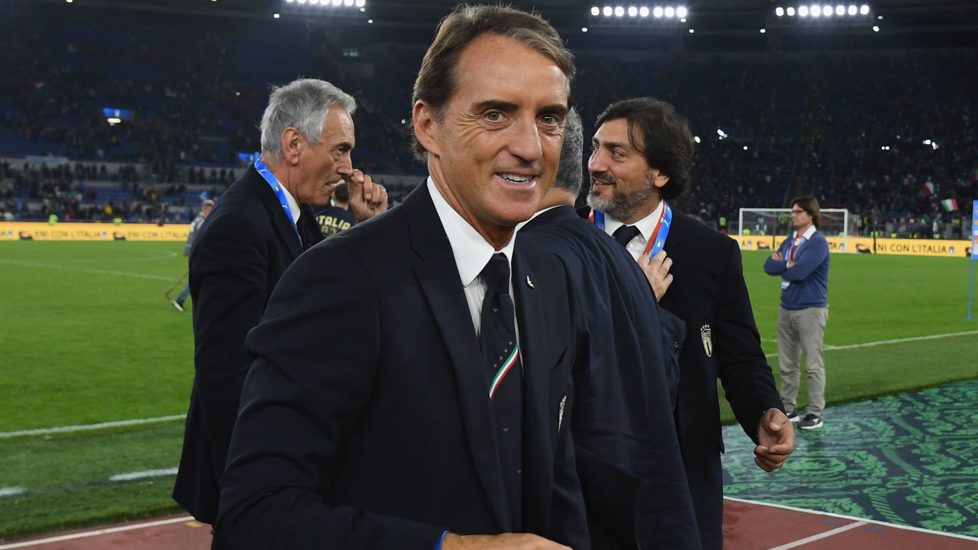 Donnarumma salutes Mancini after Italy book Euro 2020 place