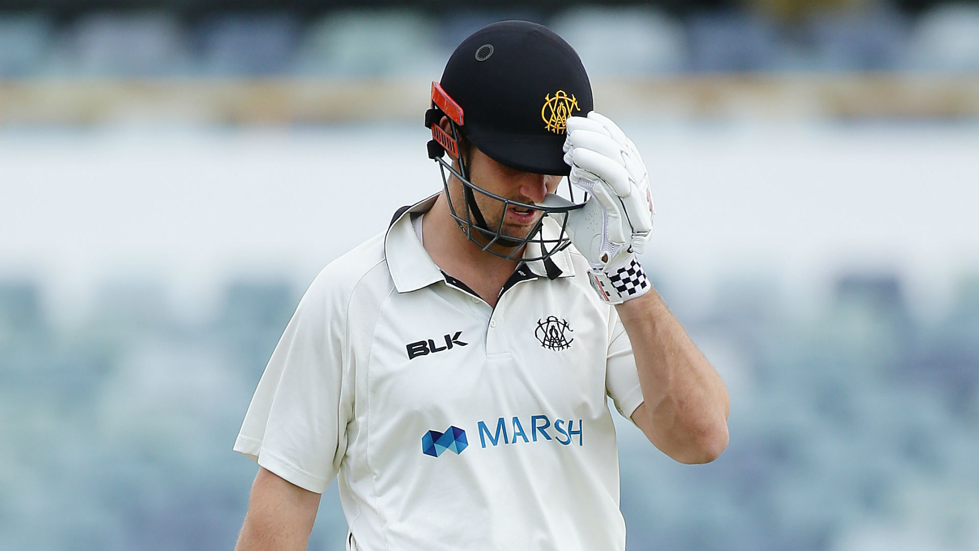 Australia all-rounder Marsh injures hand hitting dressing room wall
