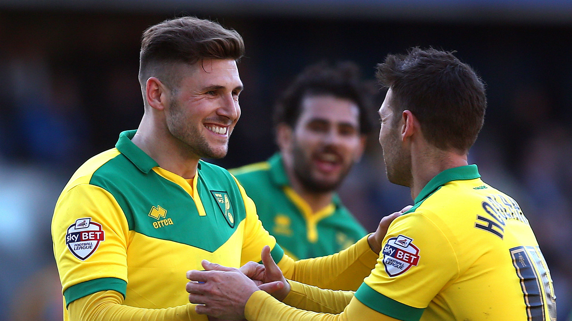 Wellington Phoenix sign former Premier League striker Gary Hooper