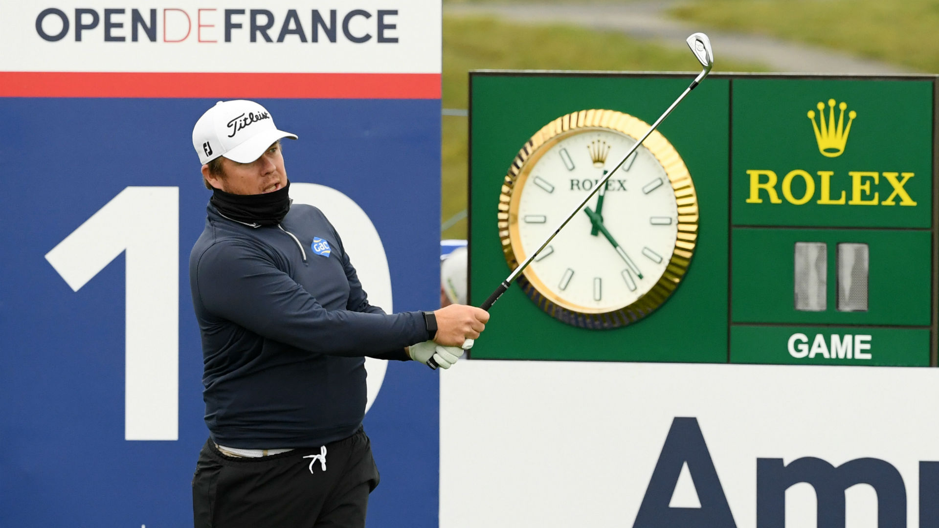Coetzee and Fox joint leaders at Le Golf National