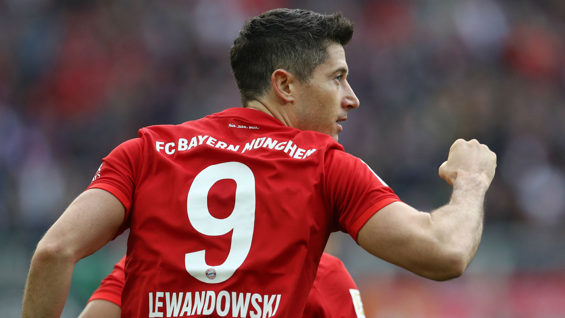 Lewandowski equals Aubameyang's Bundesliga record