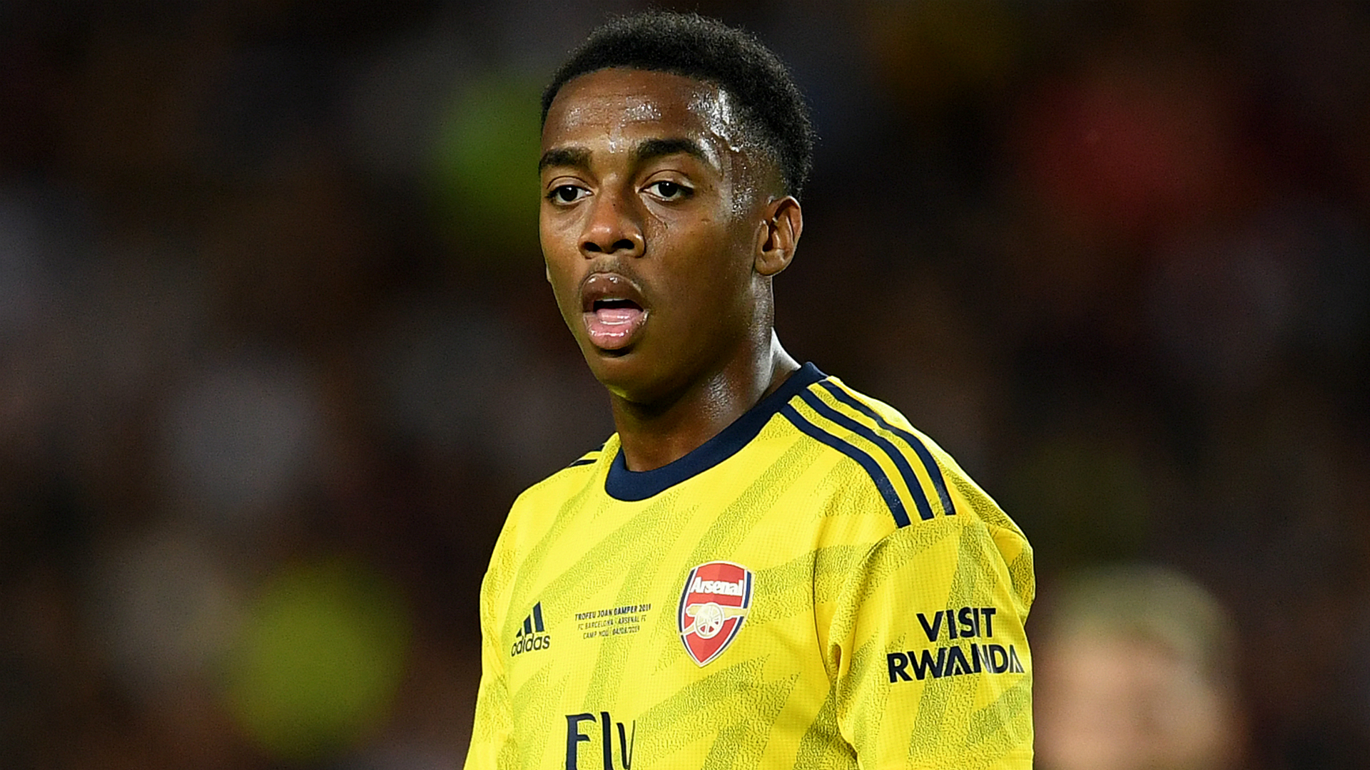 Willock commits to Arsenal with new long-term contract