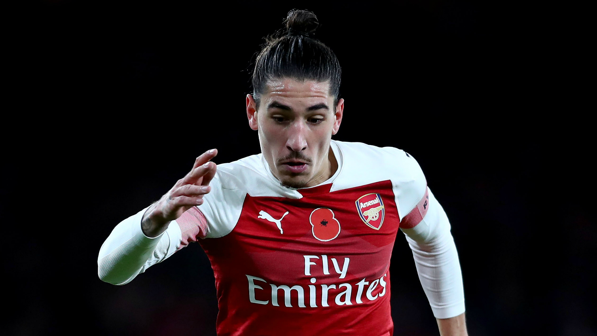 Arsenal defenders Tierney and Bellerin join in full training
