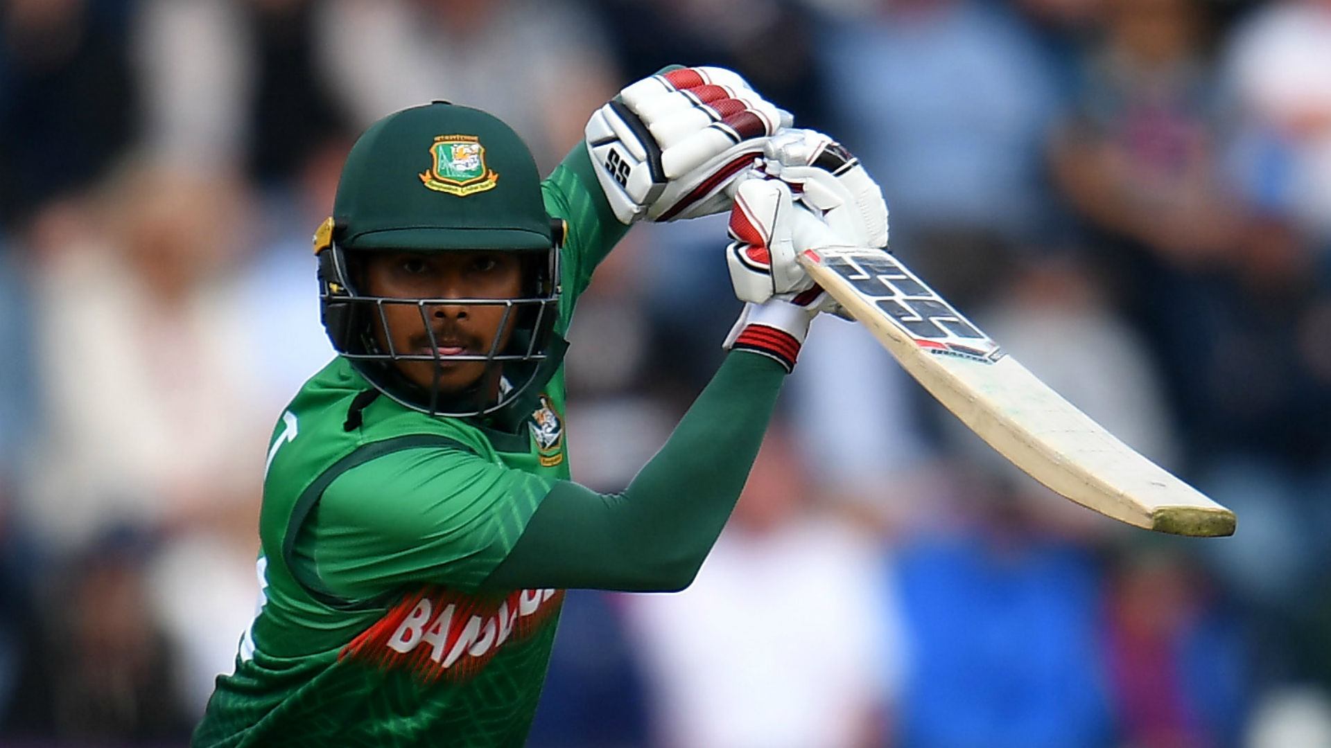Bangladesh squeeze home against Zimbabwe in T20 opener