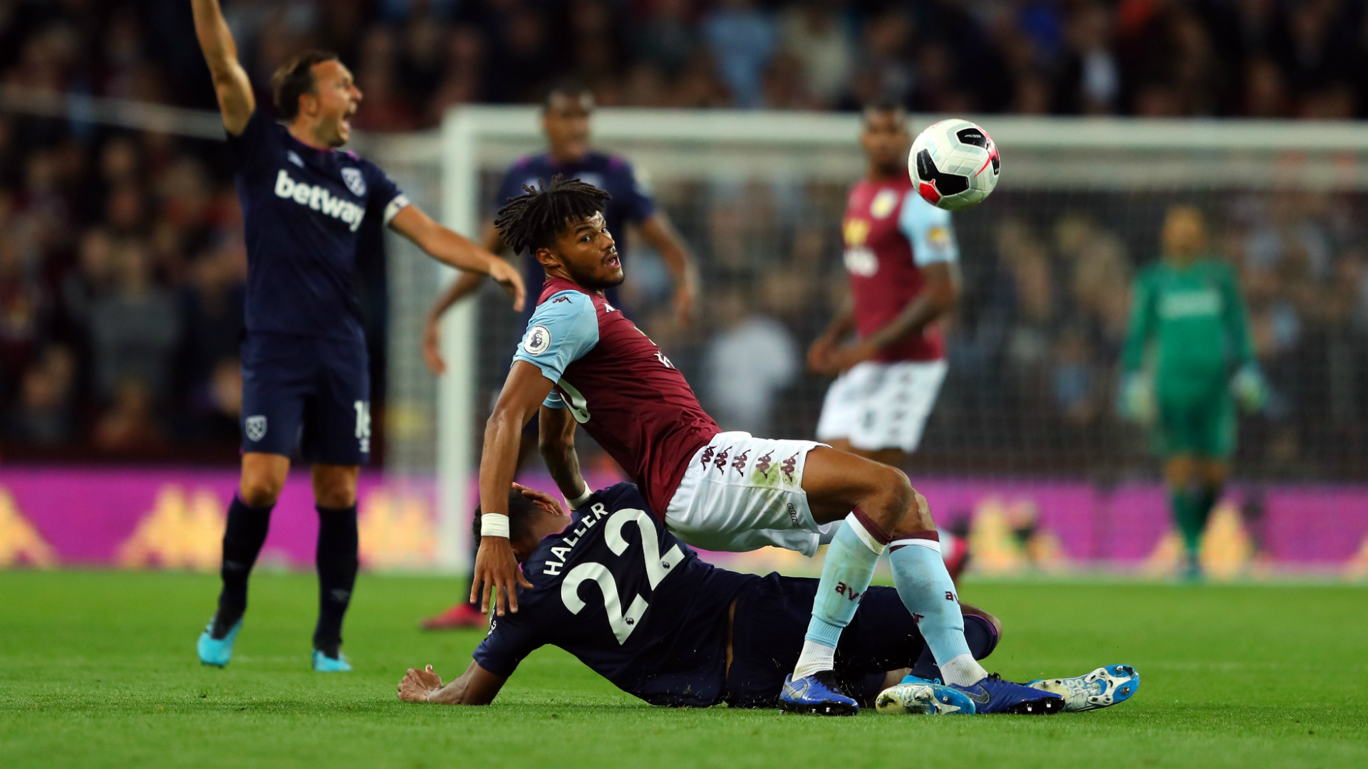 Aston Villa 0-0 West Ham: Masuaku red cannot spark Smith's men to life