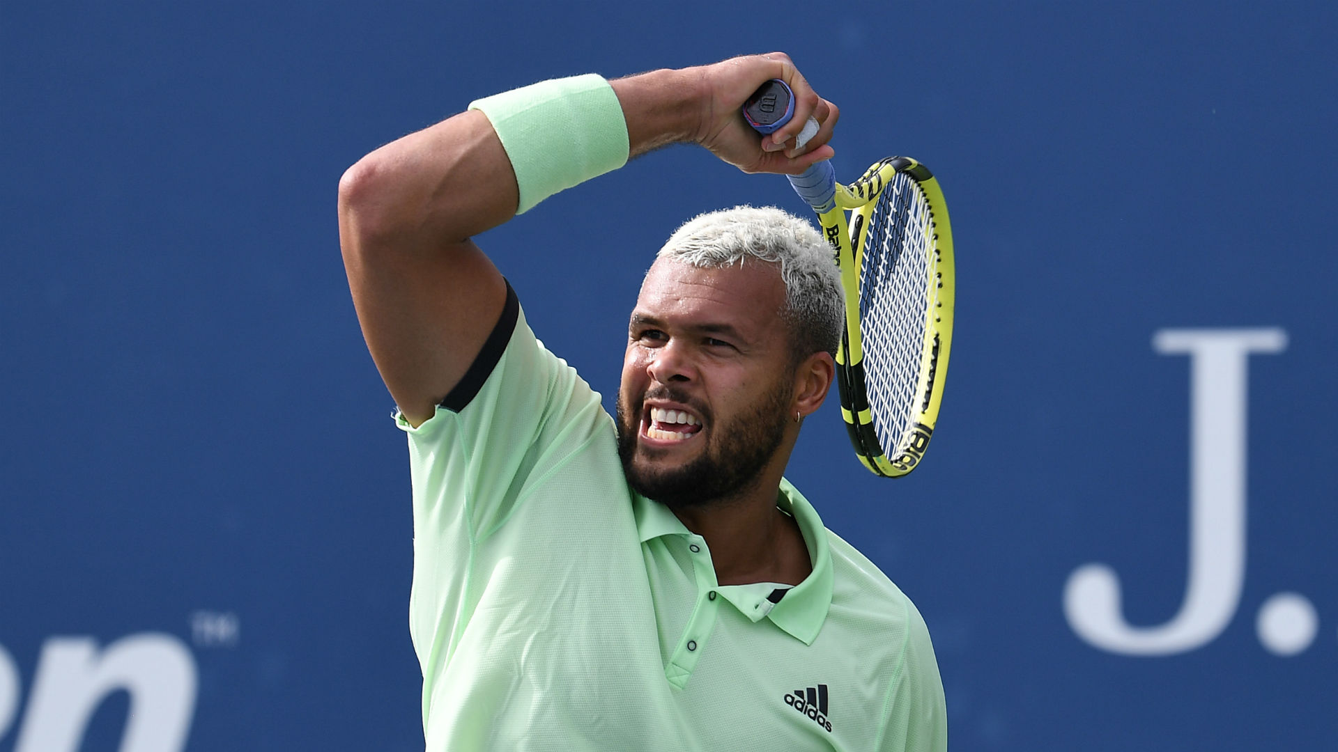 Tsonga back to winning ways in Metz, Donskoy sets up Medvedev date