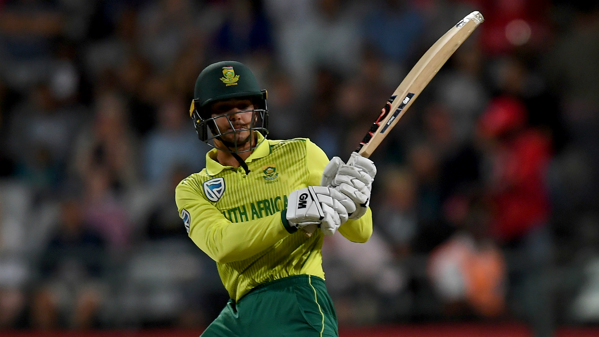 De Kock dazzles as South Africa thump India to level series