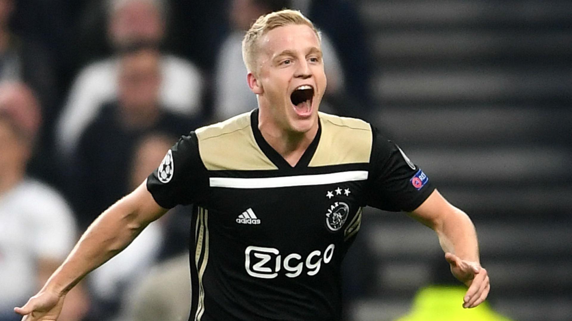 It's always nice to play in the sun – Van de Beek discusses Real Madrid links