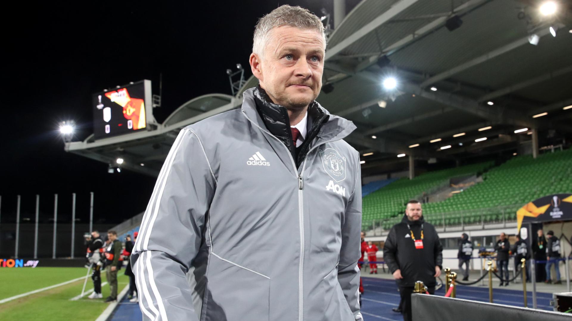 Coronavirus: Calling out footballers is unfair, says Man Utd boss Solskjaer