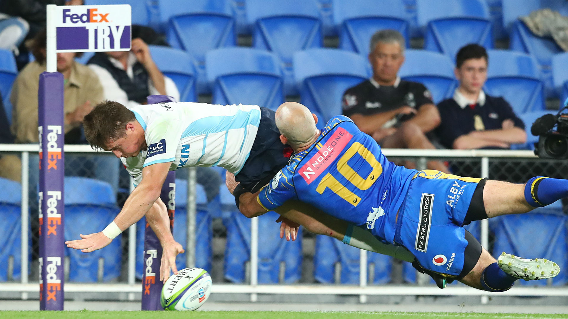 Waratahs beat Force to go second