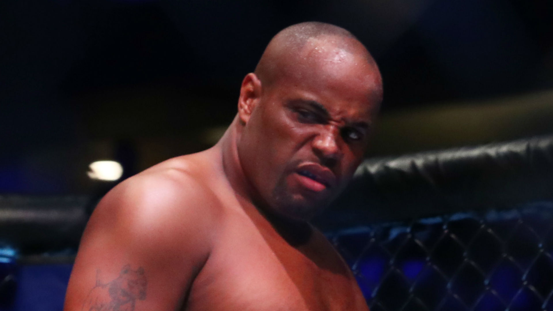Cormier: Beating Miocic puts me in same bracket as Jordan and Manning