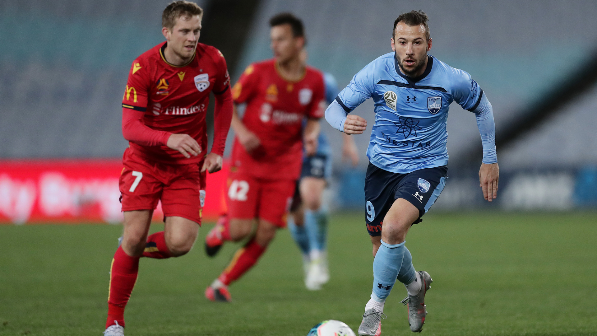 Adelaide United 1-1 Sydney FC: Le Fondre leaves Finals spot in the balance