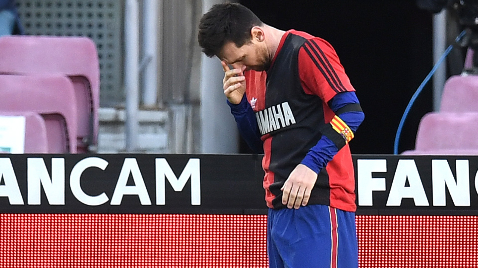 Messi yellow card for Maradona tribute should be overturned, says Koeman