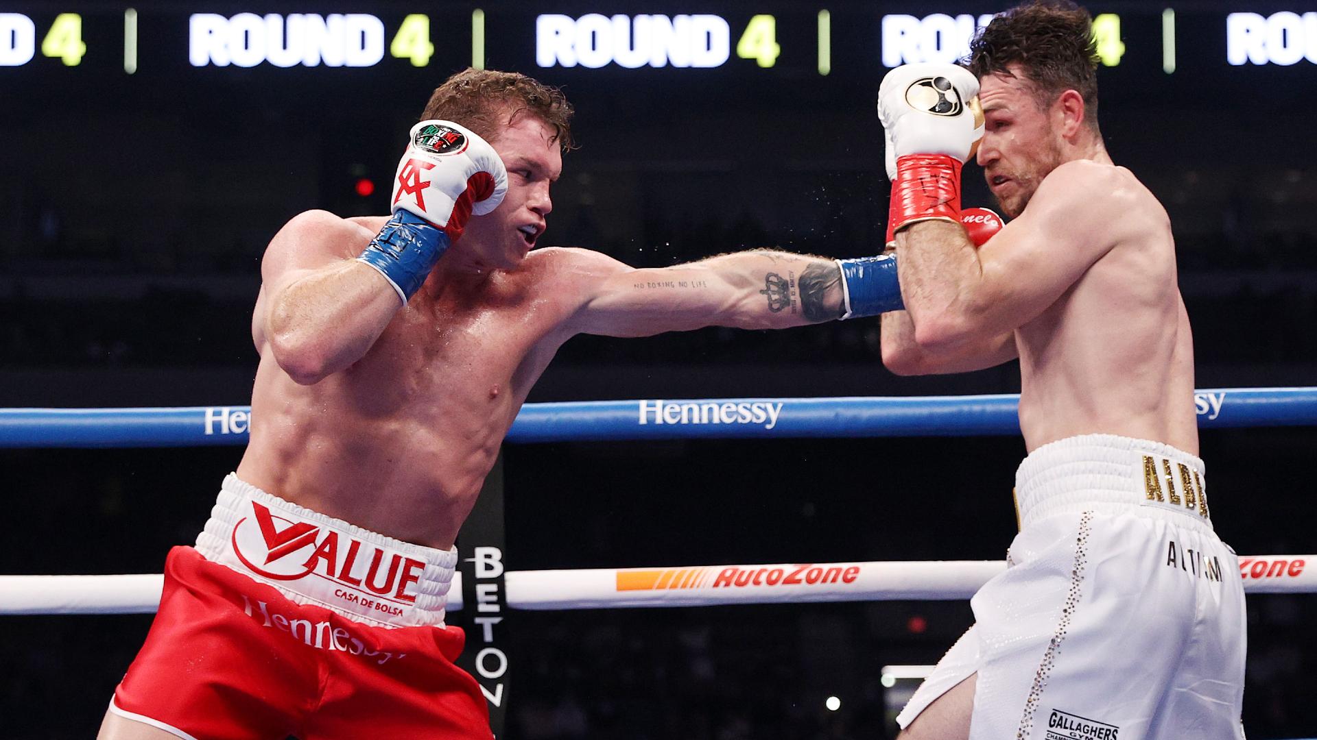 Alvarez dominates Smith to win super-middleweight titles