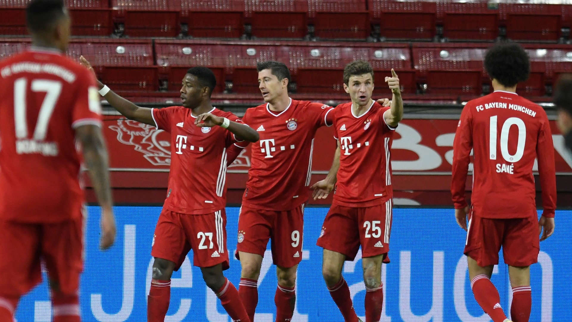 Bayer Leverkusen 1-2 Bayern Munich: Last-gasp Lewandowski sends champions top