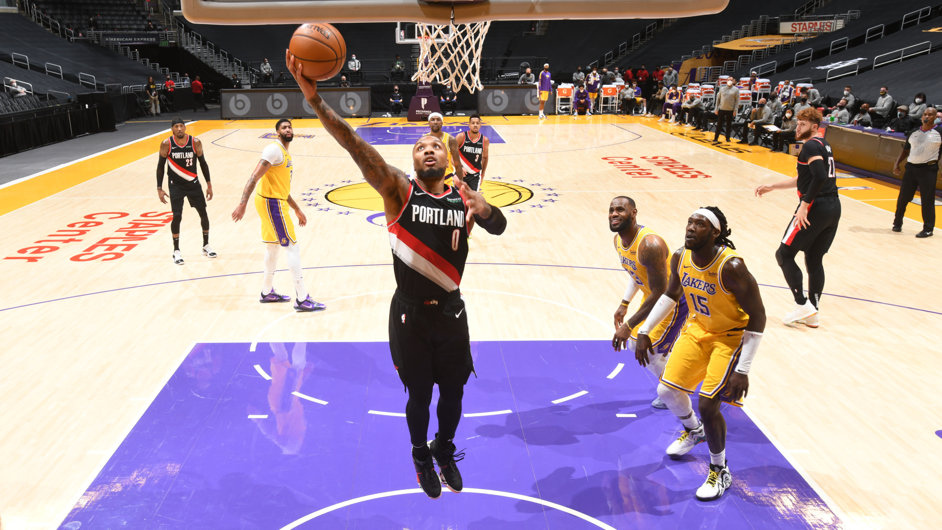 Lakers fall to Trail Blazers, Harden performance not enough for Rockets